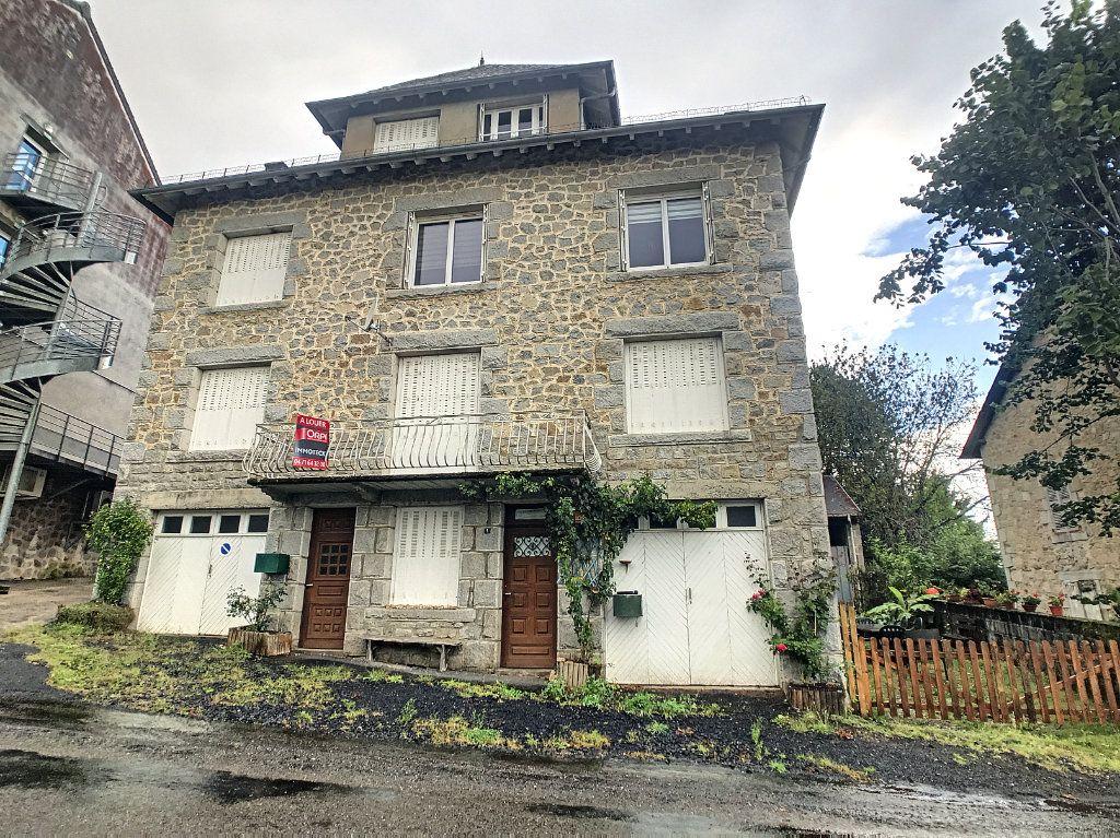 Appartement à louer 4 79.22m2 à Le Rouget vignette-1