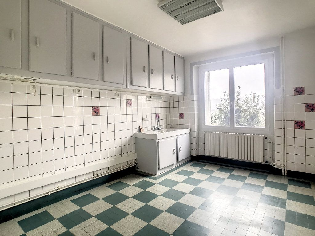 Appartement à louer 4 79.22m2 à Le Rouget vignette-2