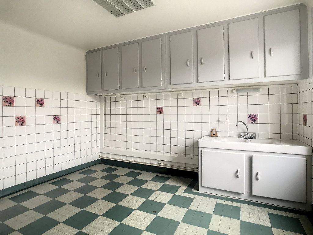 Appartement à louer 4 79.22m2 à Le Rouget vignette-3