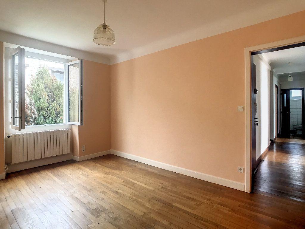 Appartement à louer 4 79.22m2 à Le Rouget vignette-6