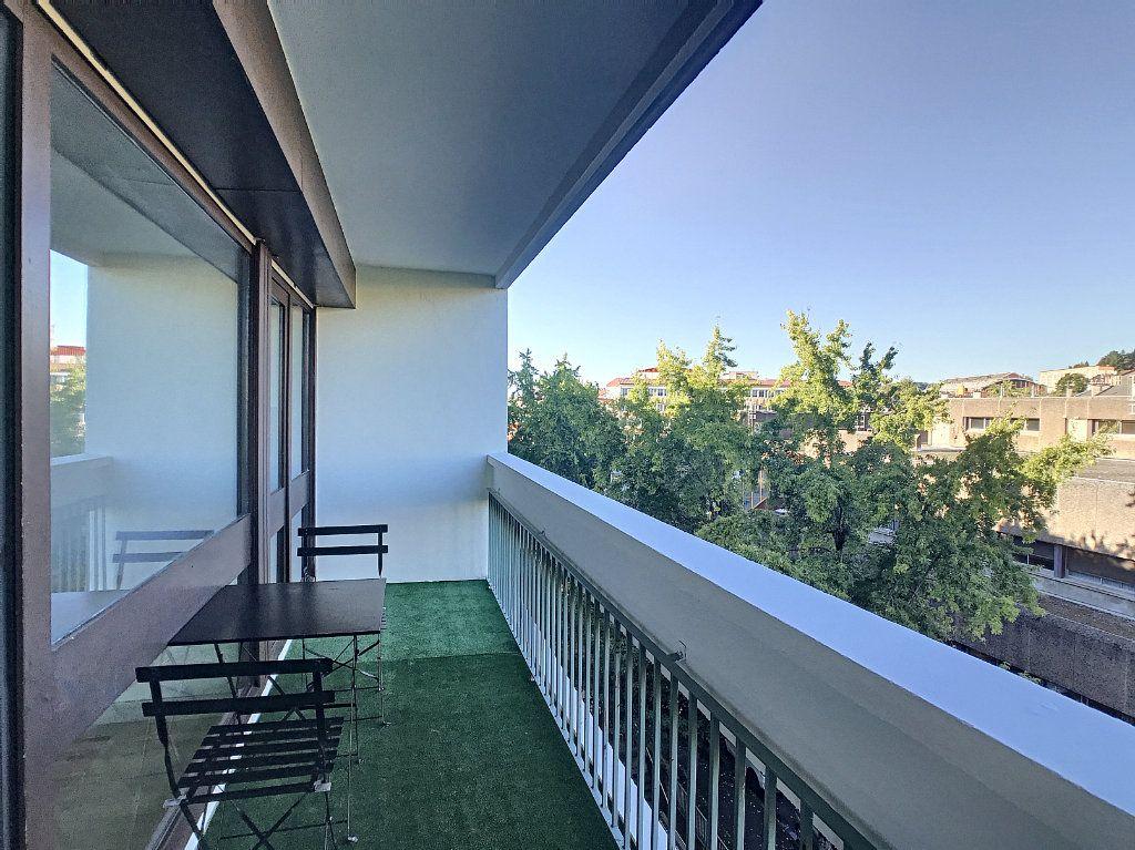 Appartement à louer 1 30m2 à Aurillac vignette-7