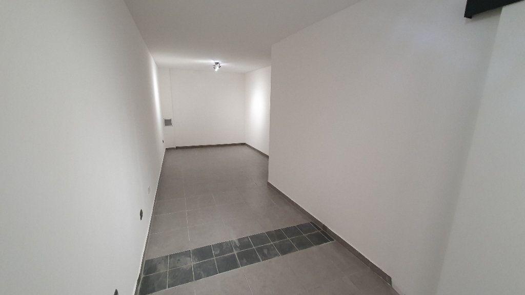 Maison à louer 3 59.92m2 à Paulhan vignette-5