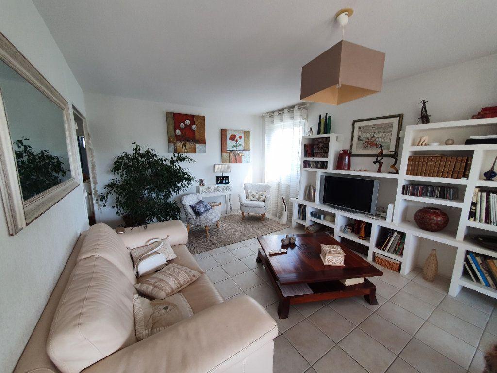 Appartement à vendre 3 75.85m2 à Montpellier vignette-3