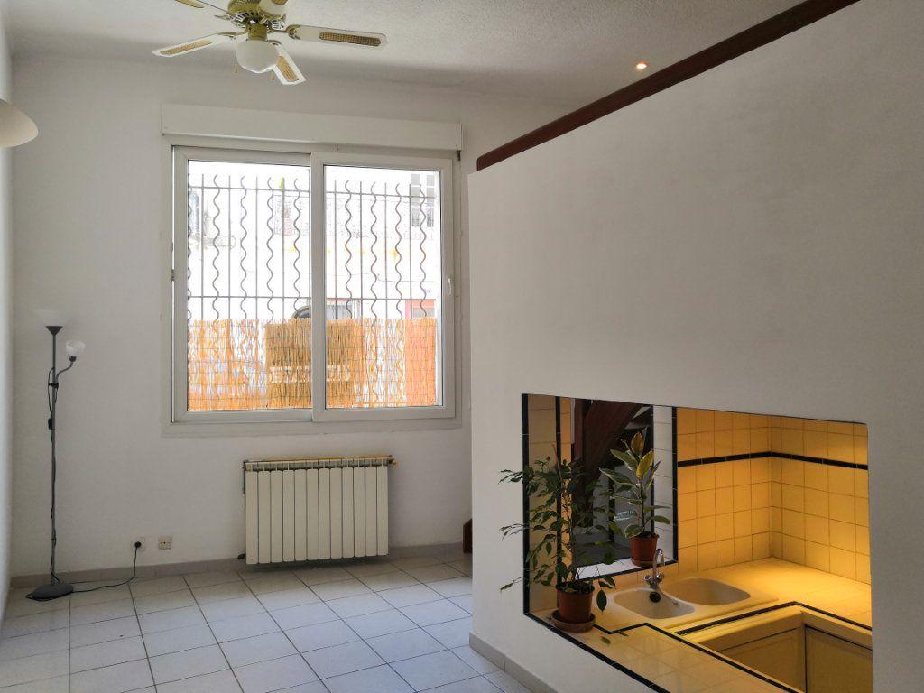 Appartement à vendre 3 59m2 à Sète vignette-3