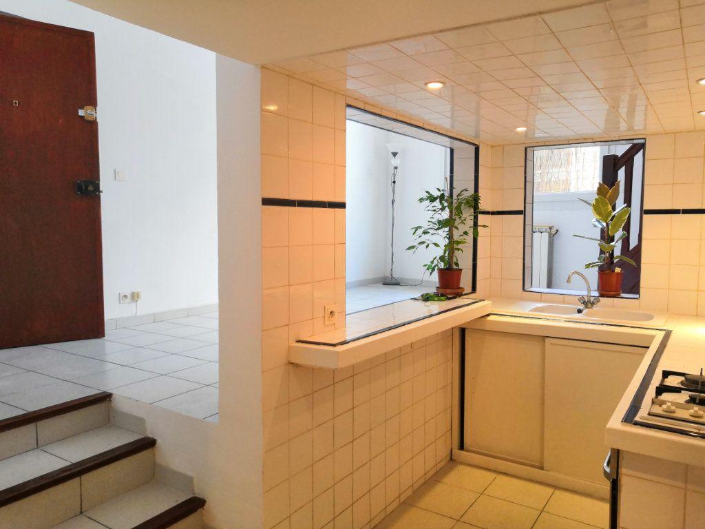 Appartement à vendre 3 59m2 à Sète vignette-4