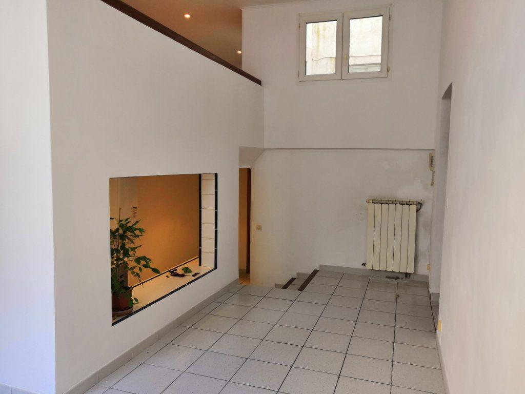 Appartement à vendre 3 59m2 à Sète vignette-5