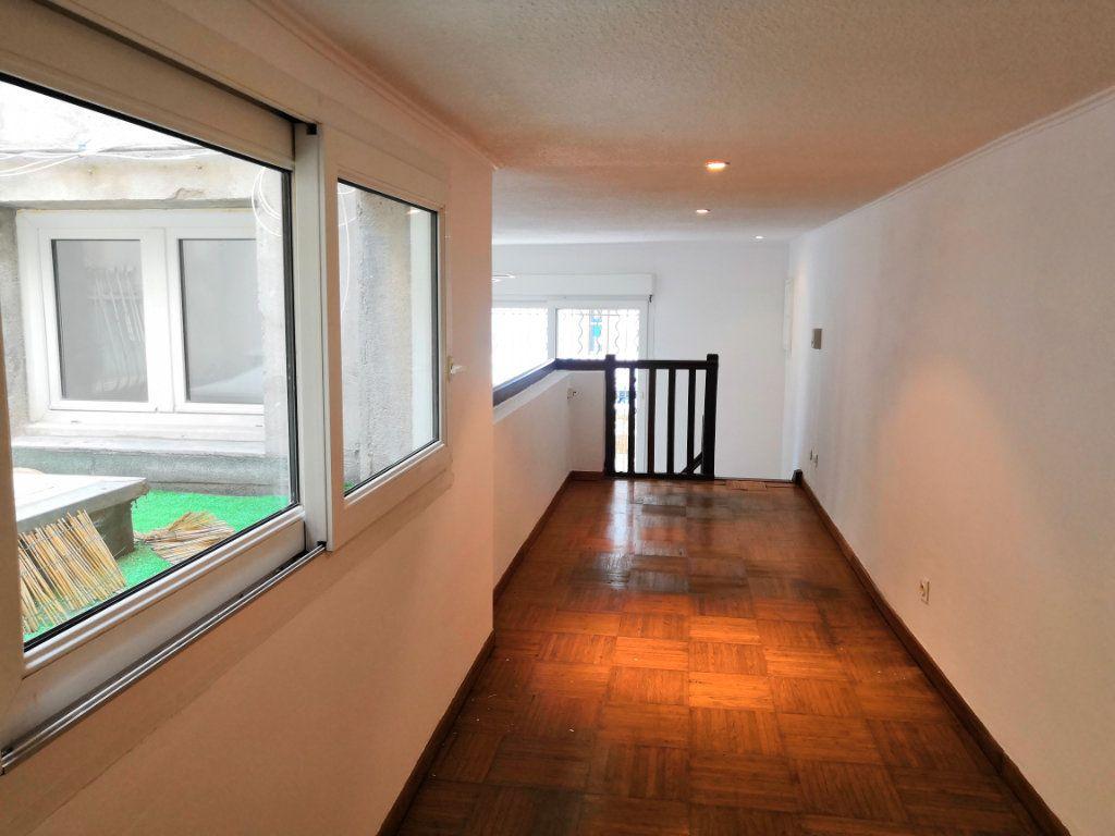 Appartement à vendre 3 59m2 à Sète vignette-6
