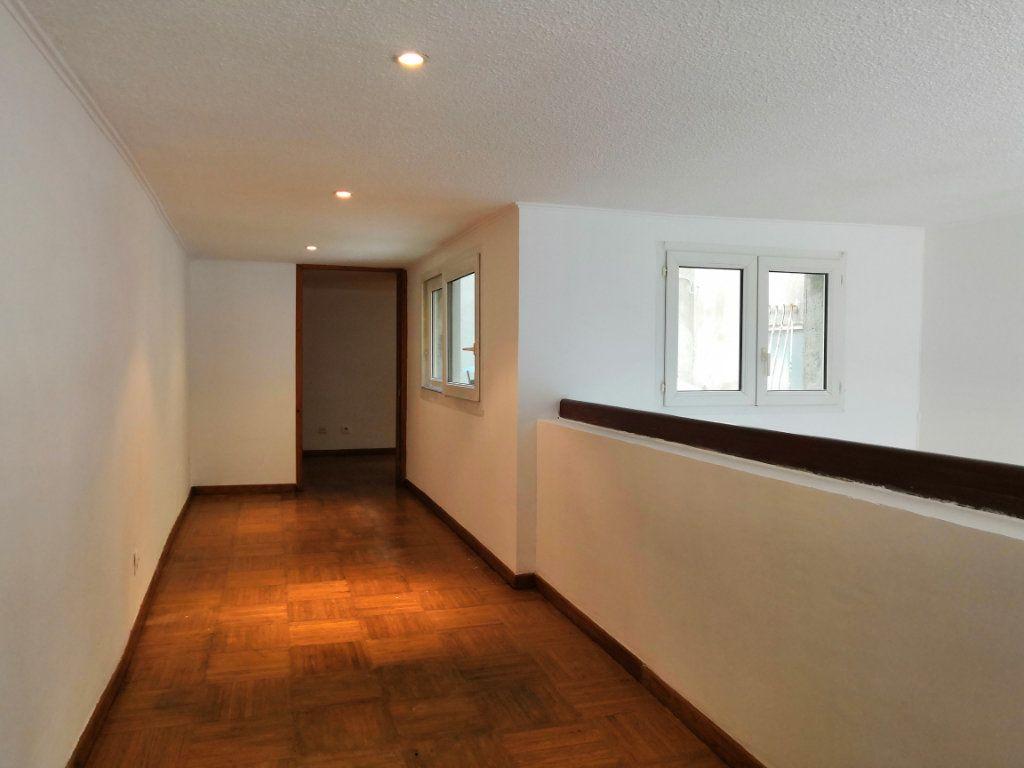 Appartement à vendre 3 59m2 à Sète vignette-9
