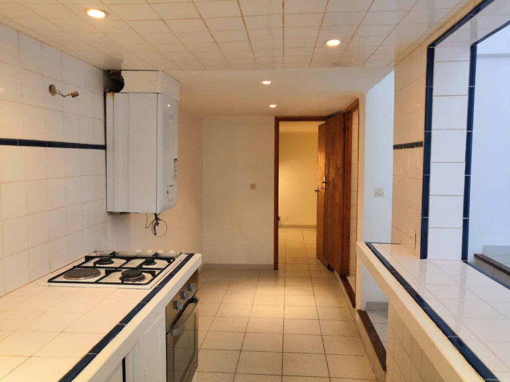 Appartement à vendre 3 59m2 à Sète vignette-10