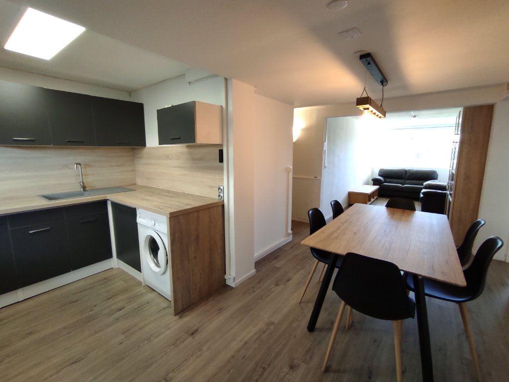 Appartement à vendre 3 60m2 à Balaruc-les-Bains vignette-1