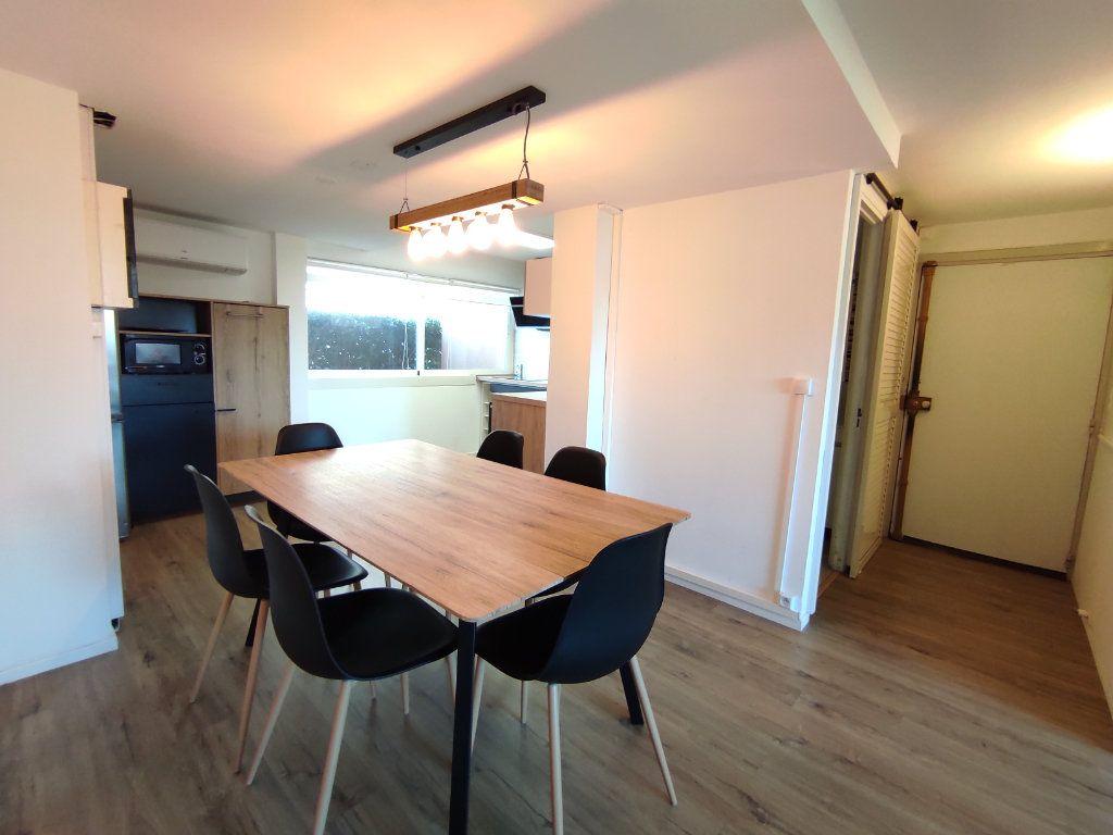 Appartement à vendre 3 60m2 à Balaruc-les-Bains vignette-3