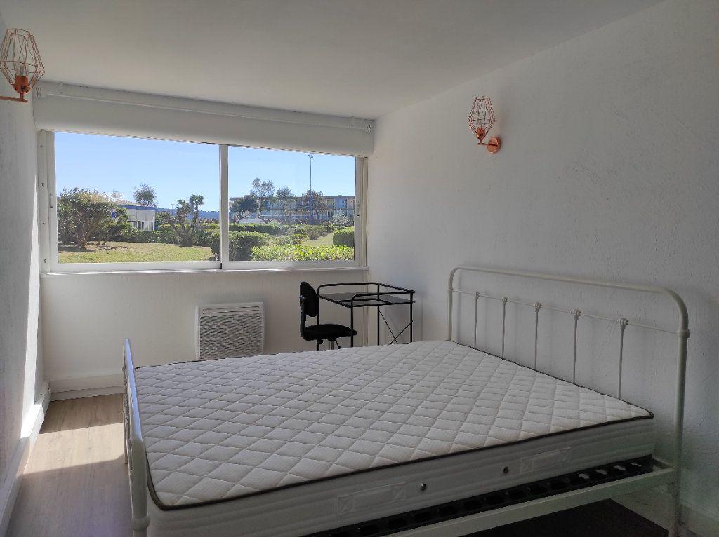 Appartement à vendre 3 60m2 à Balaruc-les-Bains vignette-4