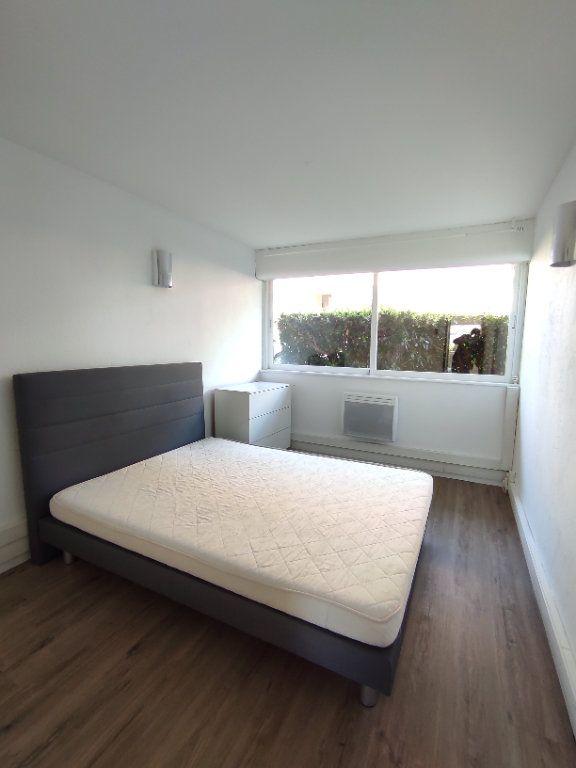 Appartement à vendre 3 60m2 à Balaruc-les-Bains vignette-5