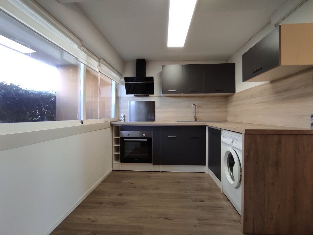 Appartement à vendre 3 60m2 à Balaruc-les-Bains vignette-6