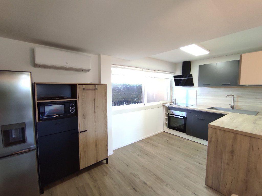 Appartement à vendre 3 60m2 à Balaruc-les-Bains vignette-9
