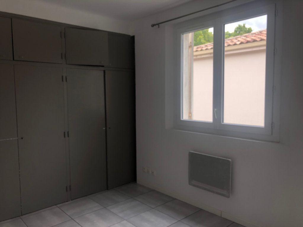 Appartement à louer 2 42.46m2 à Pézenas vignette-3