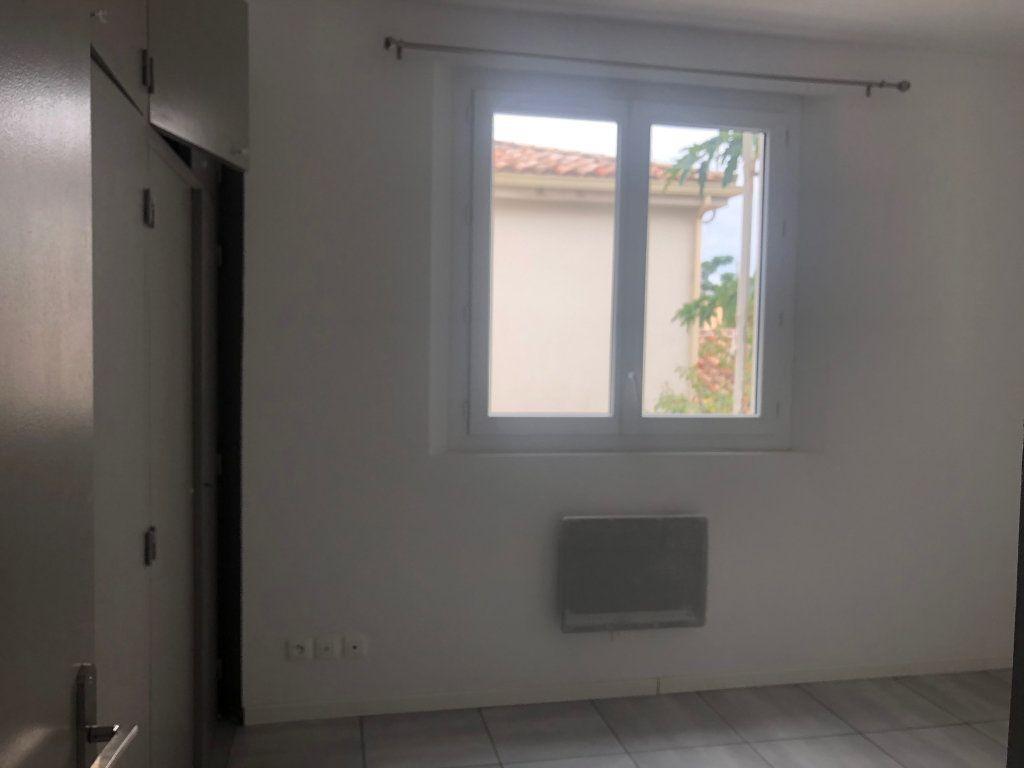 Appartement à louer 2 42.46m2 à Pézenas vignette-4