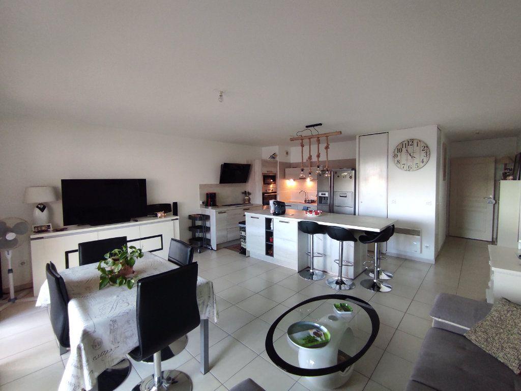 Appartement à vendre 3 68m2 à Balaruc-les-Bains vignette-1