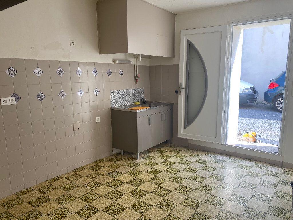 Appartement à louer 3 66.93m2 à Paulhan vignette-3