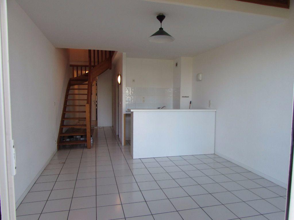 Appartement à louer 3 57m2 à Soustons vignette-2