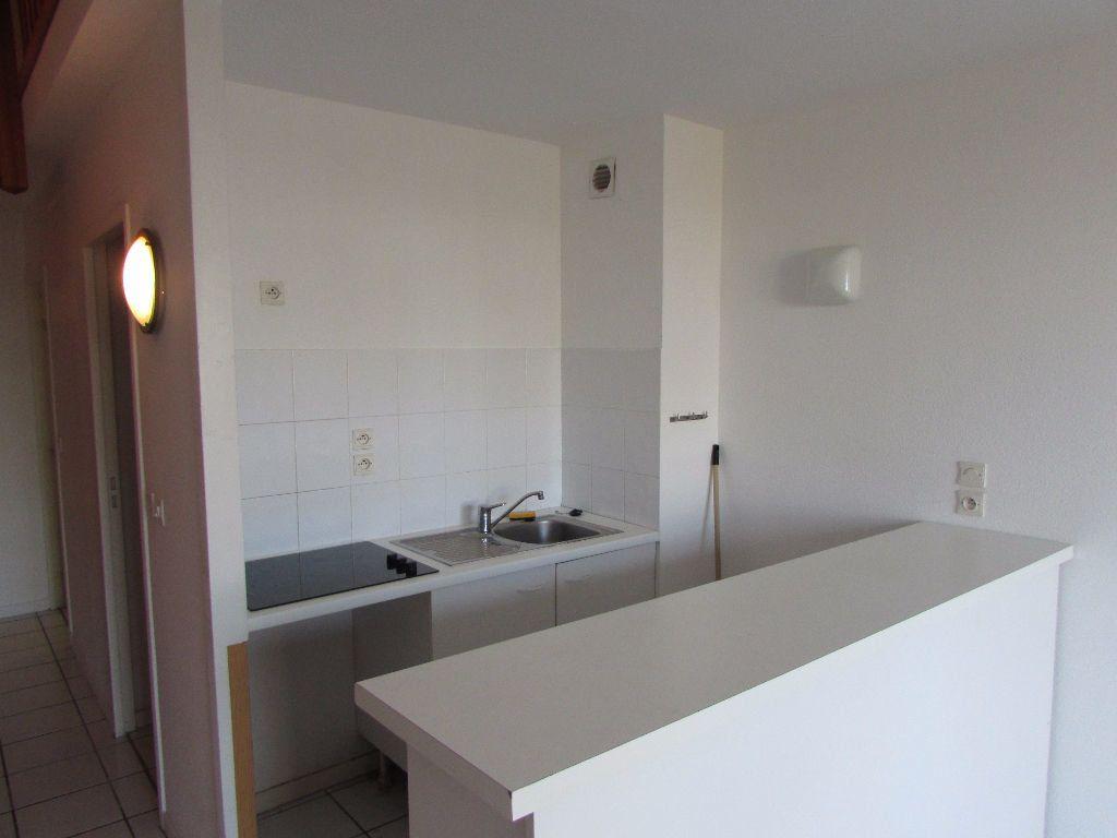 Appartement à louer 3 57m2 à Soustons vignette-3