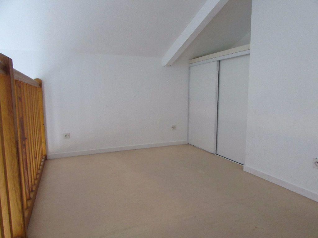 Appartement à louer 3 57m2 à Soustons vignette-4