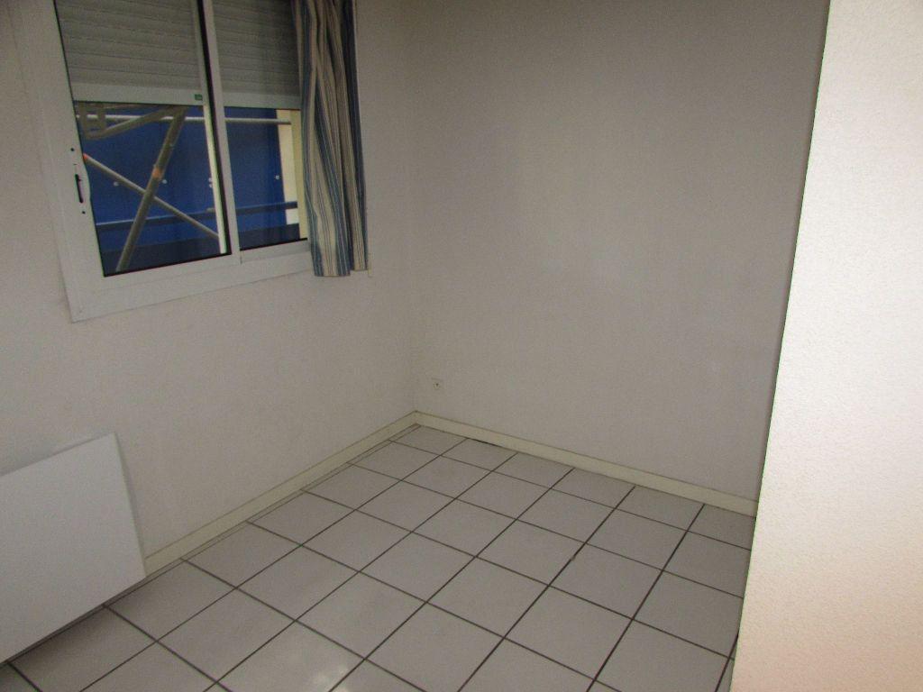Appartement à louer 3 57m2 à Soustons vignette-8