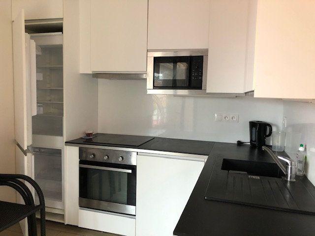 Appartement à vendre 3 68.1m2 à Saint-Julien-en-Born vignette-2