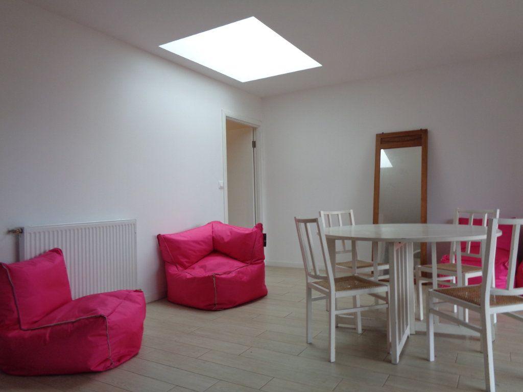 Appartement à vendre 3 68.1m2 à Saint-Julien-en-Born vignette-3
