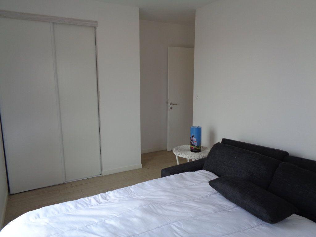 Appartement à vendre 3 68.1m2 à Saint-Julien-en-Born vignette-4