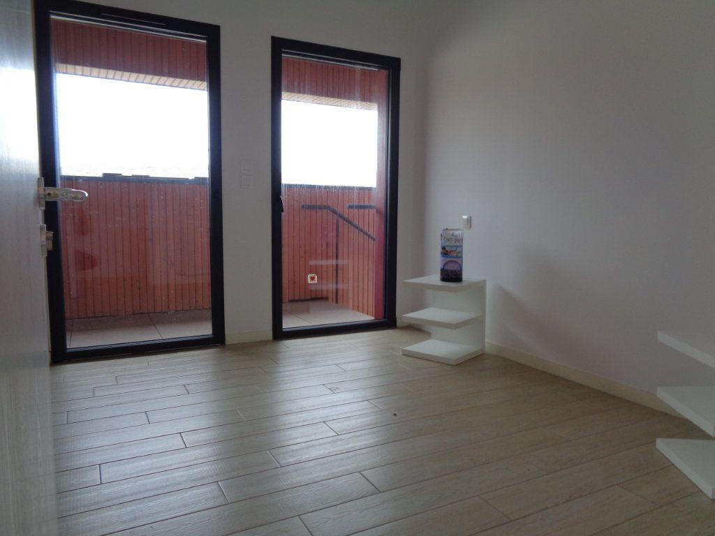 Appartement à vendre 3 68.1m2 à Saint-Julien-en-Born vignette-7