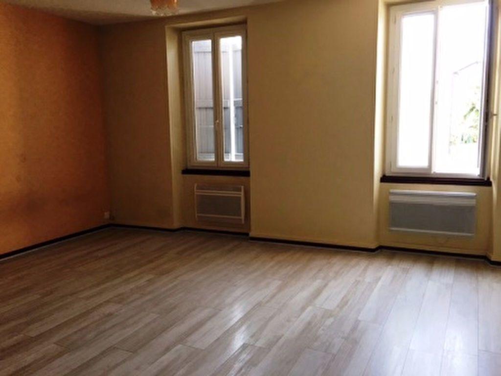 Appartement à louer 1 41m2 à Saint-Sever vignette-1