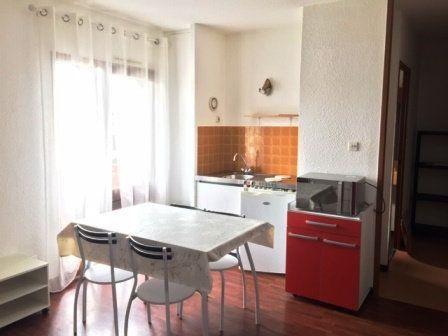 Appartement à louer 1 24.44m2 à Mont-de-Marsan vignette-1