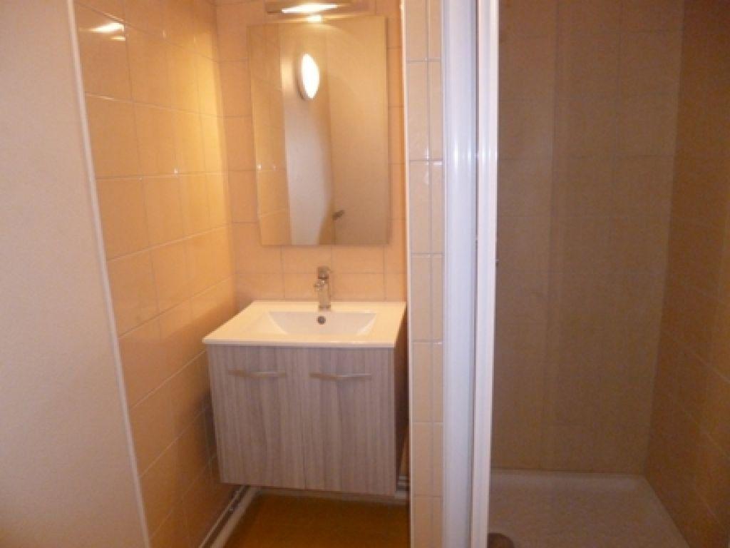 Appartement à louer 2 42m2 à Mont-de-Marsan vignette-4