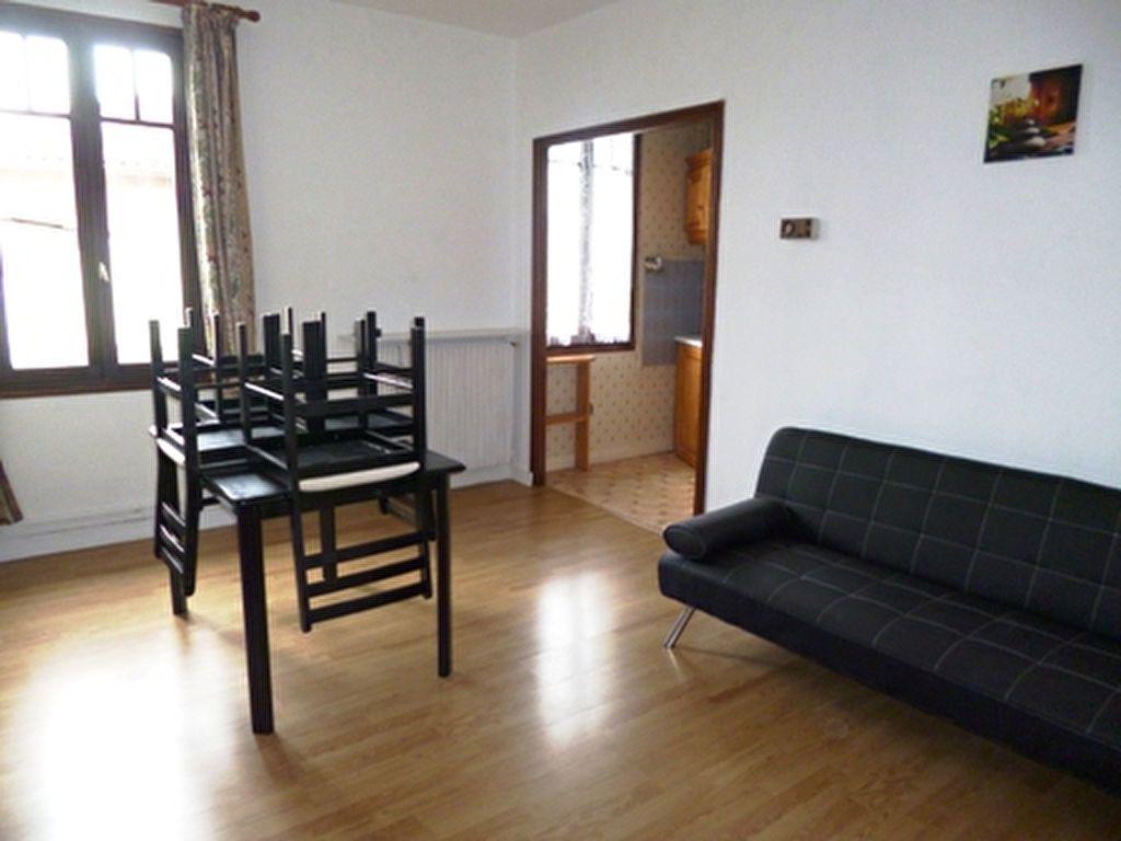Appartement à louer 2 42m2 à Mont-de-Marsan vignette-2