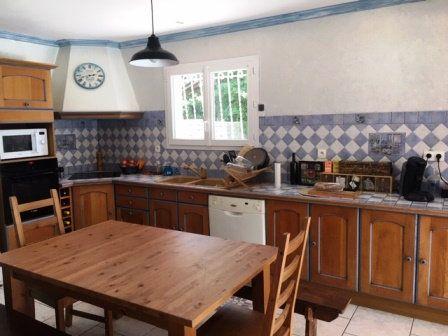 Maison à louer 5 179m2 à Pujo-le-Plan vignette-2