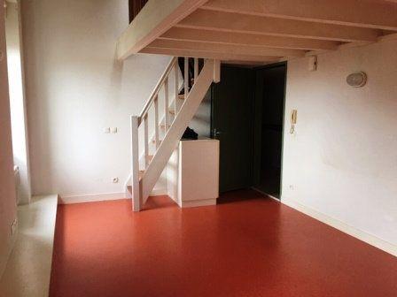 Appartement à louer 1 32m2 à Mont-de-Marsan vignette-1