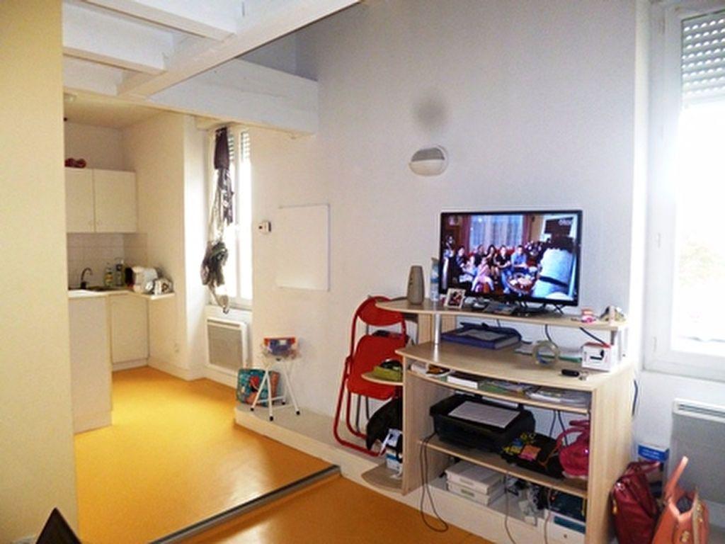 Appartement à louer 1 32m2 à Mont-de-Marsan vignette-8
