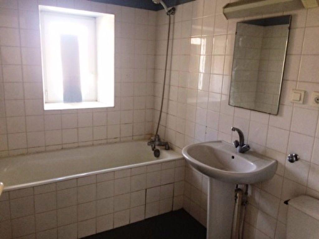 Appartement à louer 4 65m2 à Villeneuve-de-Marsan vignette-5