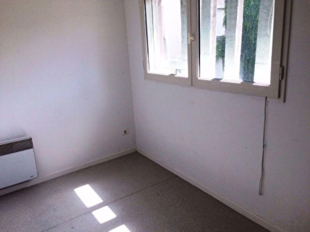 Appartement à louer 4 65m2 à Villeneuve-de-Marsan vignette-6