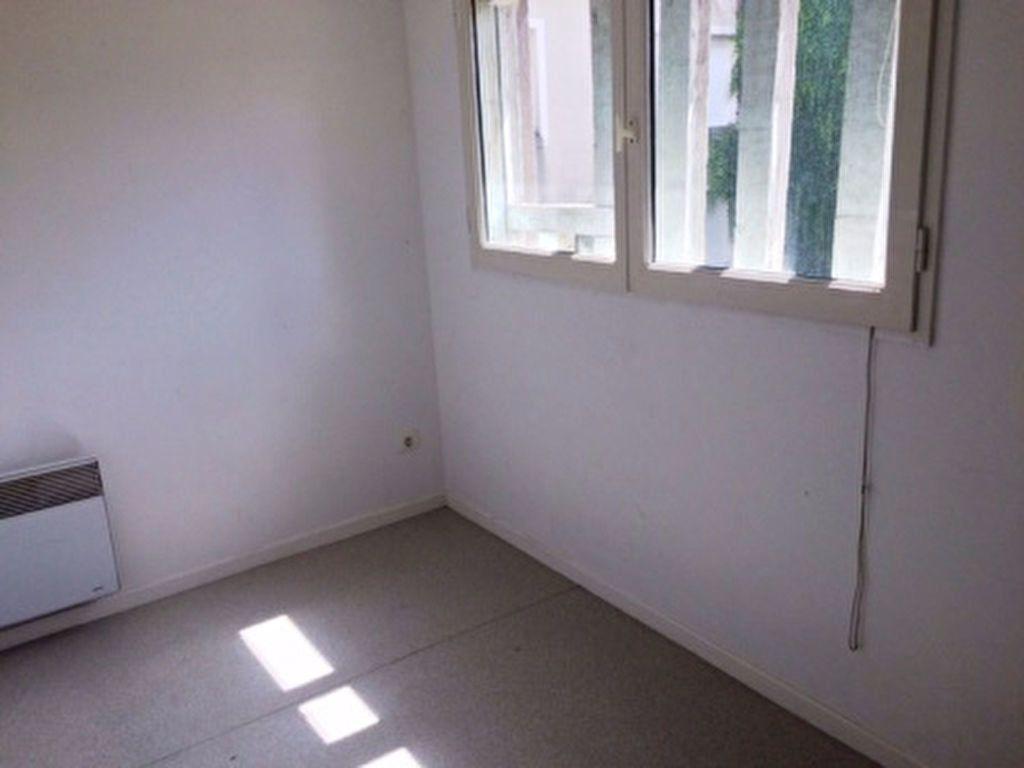 Appartement à louer 4 65m2 à Villeneuve-de-Marsan vignette-7