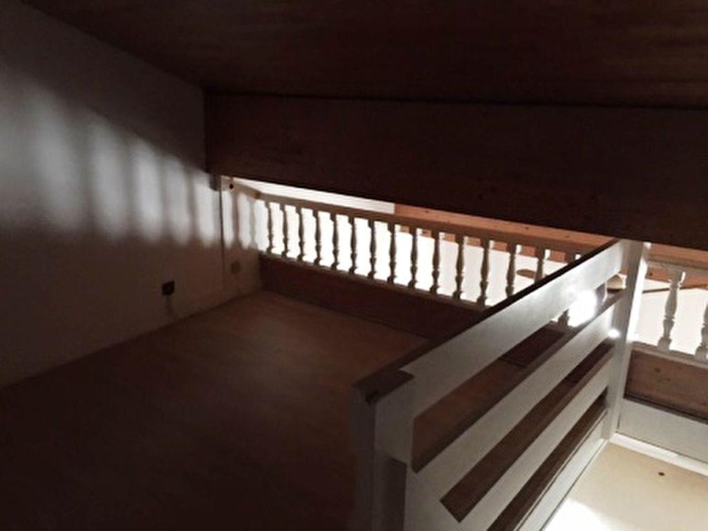 Appartement à louer 3 47m2 à Mont-de-Marsan vignette-3