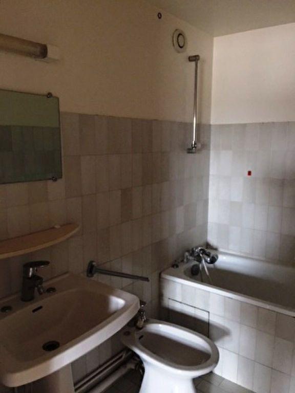 Appartement à louer 3 47m2 à Mont-de-Marsan vignette-4