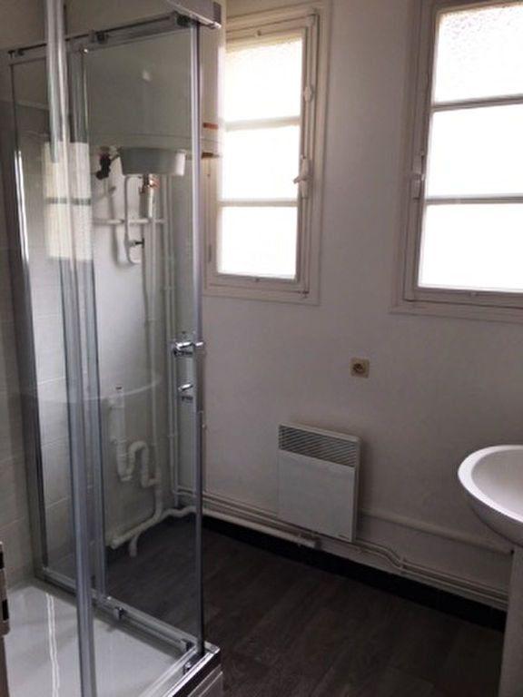 Appartement à louer 1 25m2 à Mont-de-Marsan vignette-3