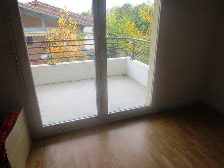Appartement à louer 2 40.4m2 à Mont-de-Marsan vignette-4