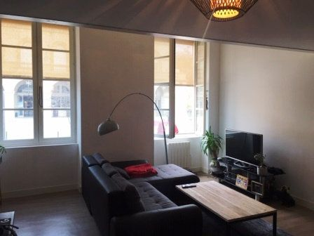 Appartement à louer 1 51m2 à Mont-de-Marsan vignette-10