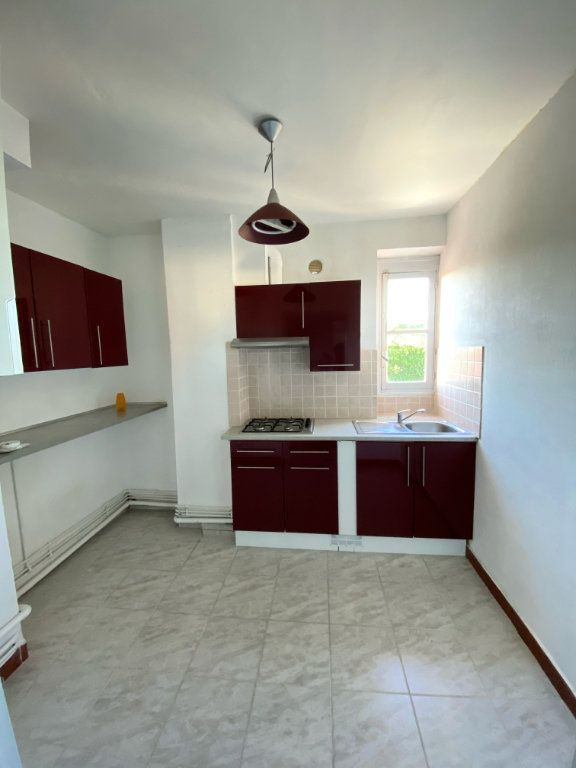 Appartement à louer 4 80m2 à Mont-de-Marsan vignette-1