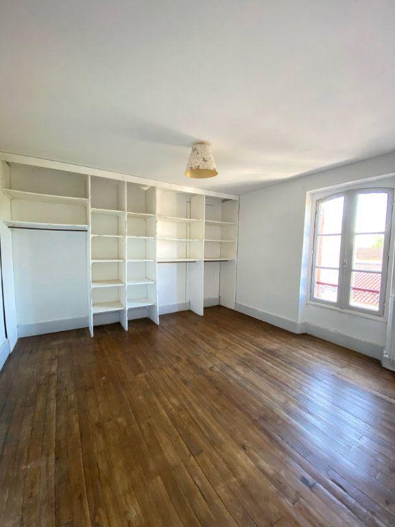 Appartement à louer 4 80m2 à Mont-de-Marsan vignette-2