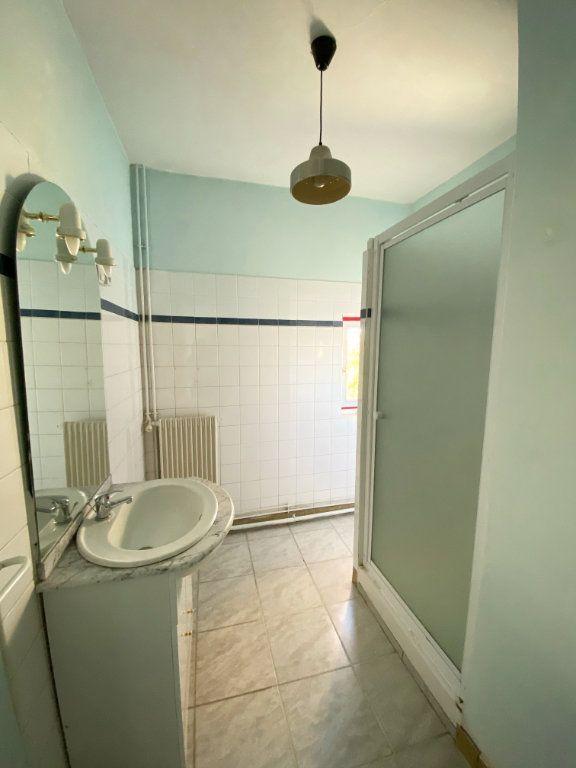 Appartement à louer 4 80m2 à Mont-de-Marsan vignette-3