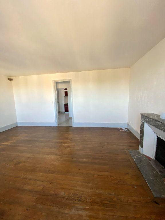 Appartement à louer 4 80m2 à Mont-de-Marsan vignette-4